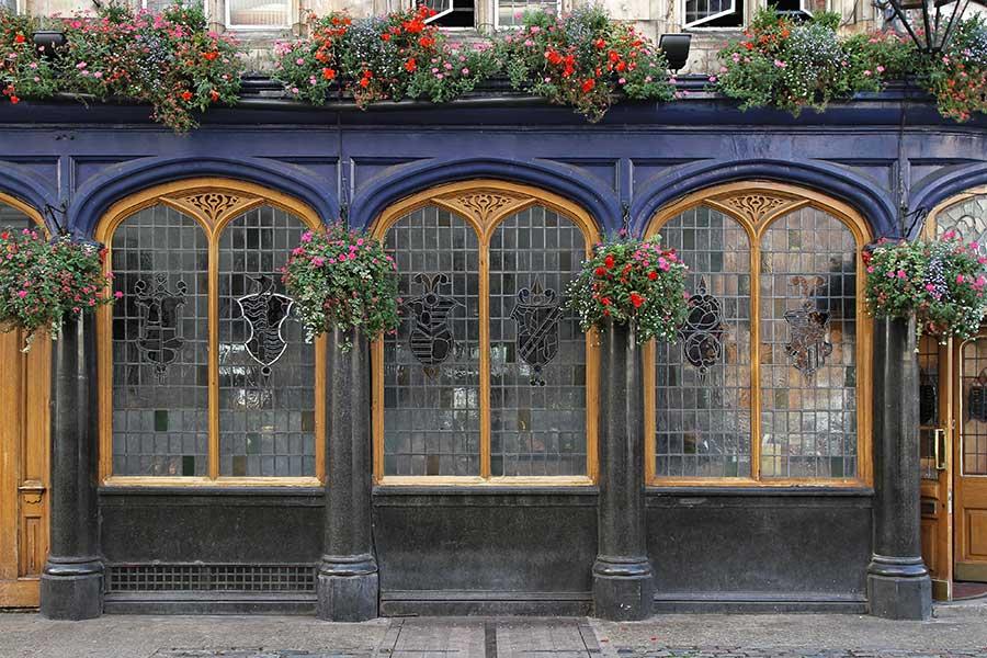 Pub leaded window glazing